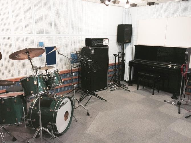 a_studio_670x503_1